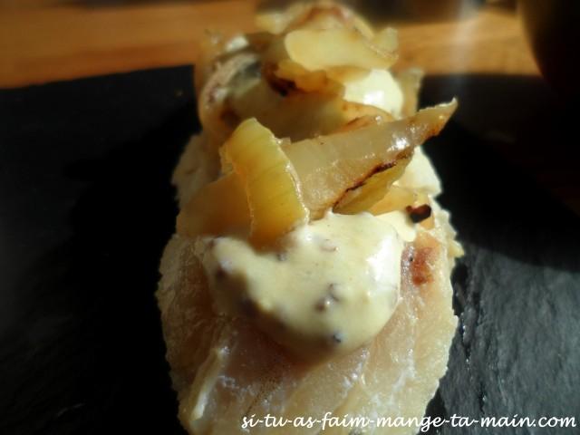 dos de cabillaud à la moutarde & oignon1