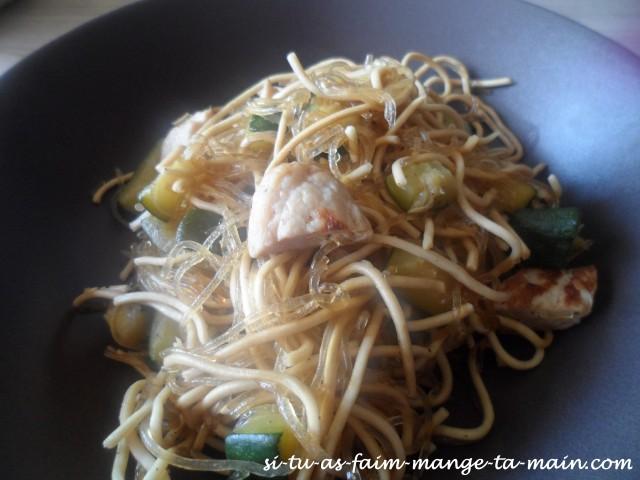 nouilles soja poulet courgette
