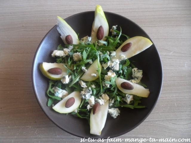 salade à la poire, bleu d'auvergne & amande