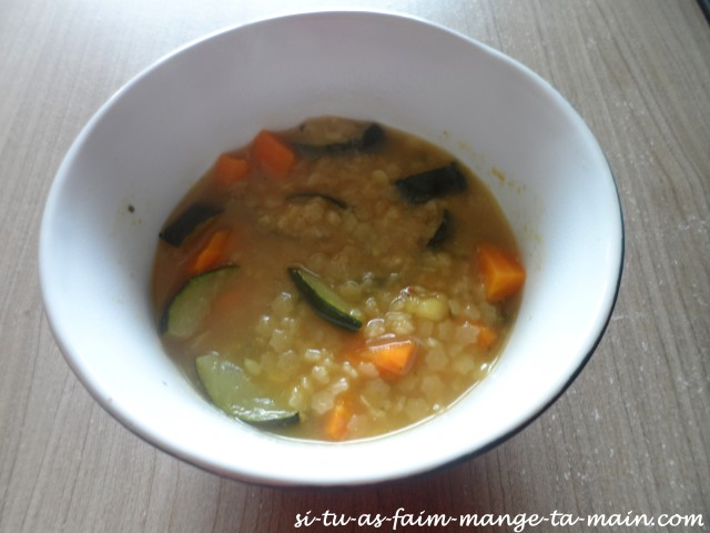 Bouillon de pâtes aux légumes1